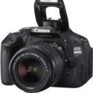 New Canon EOS 600D 18MP Digital SLR Camera